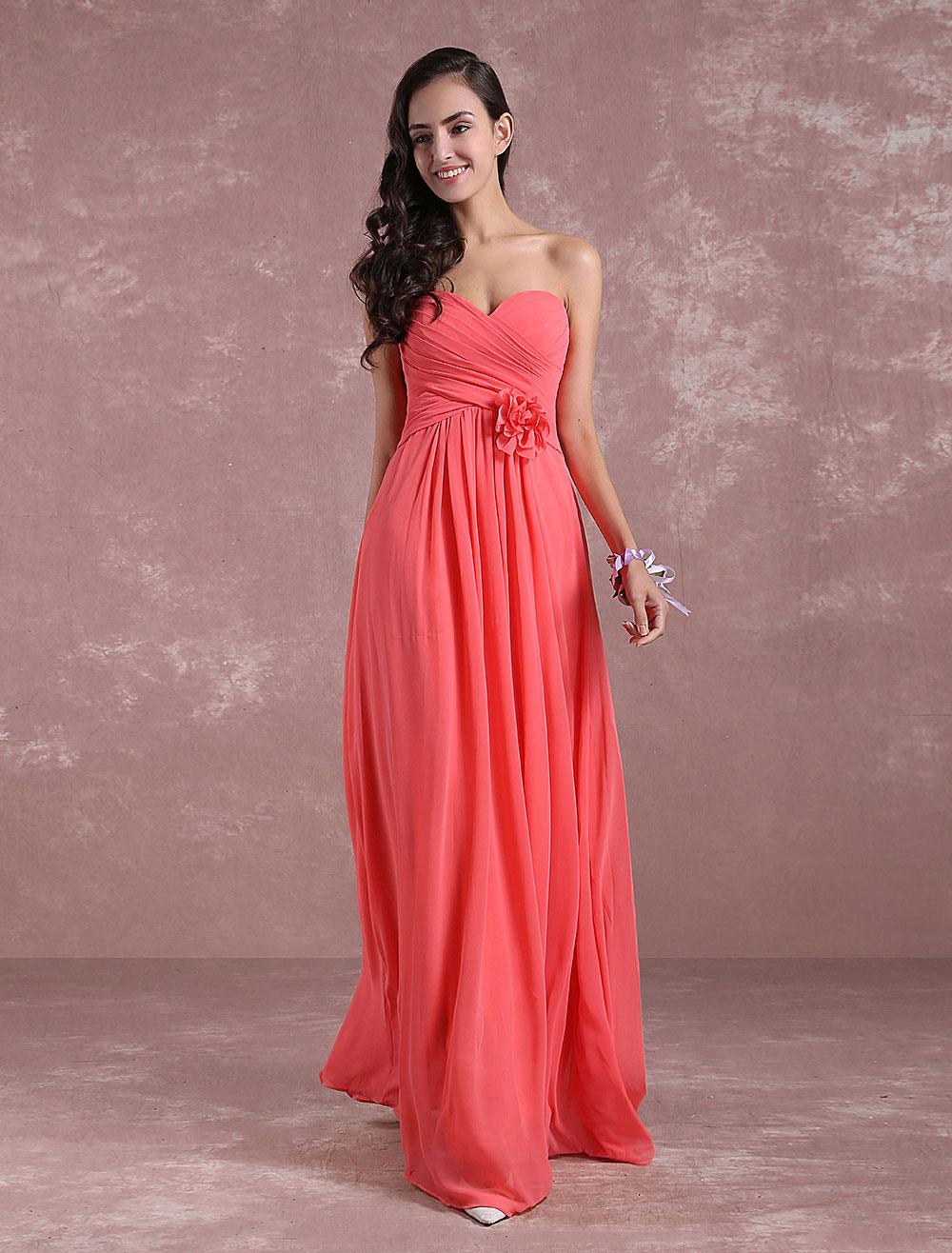 aa73c7bf7ca2 Damigella d onore Chiffon Prom abito corallo fiore senza spalline A linea  pavimento lunghezza partito ...