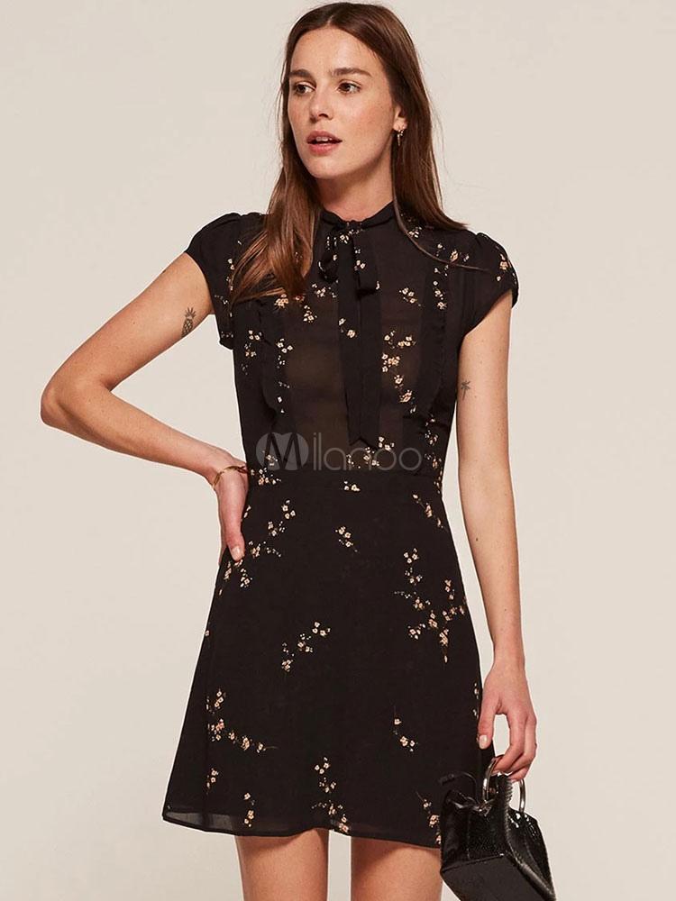 lowest price 292c2 49338 Vestito plissettato nero di poliestere stampa floreale accessori non  inclusi. per ragazze con collo alto maniche corte casual