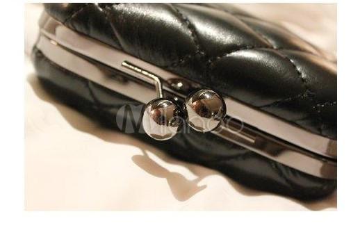 schwarze damen karo clutch aus pu mit kisslock und kette. Black Bedroom Furniture Sets. Home Design Ideas