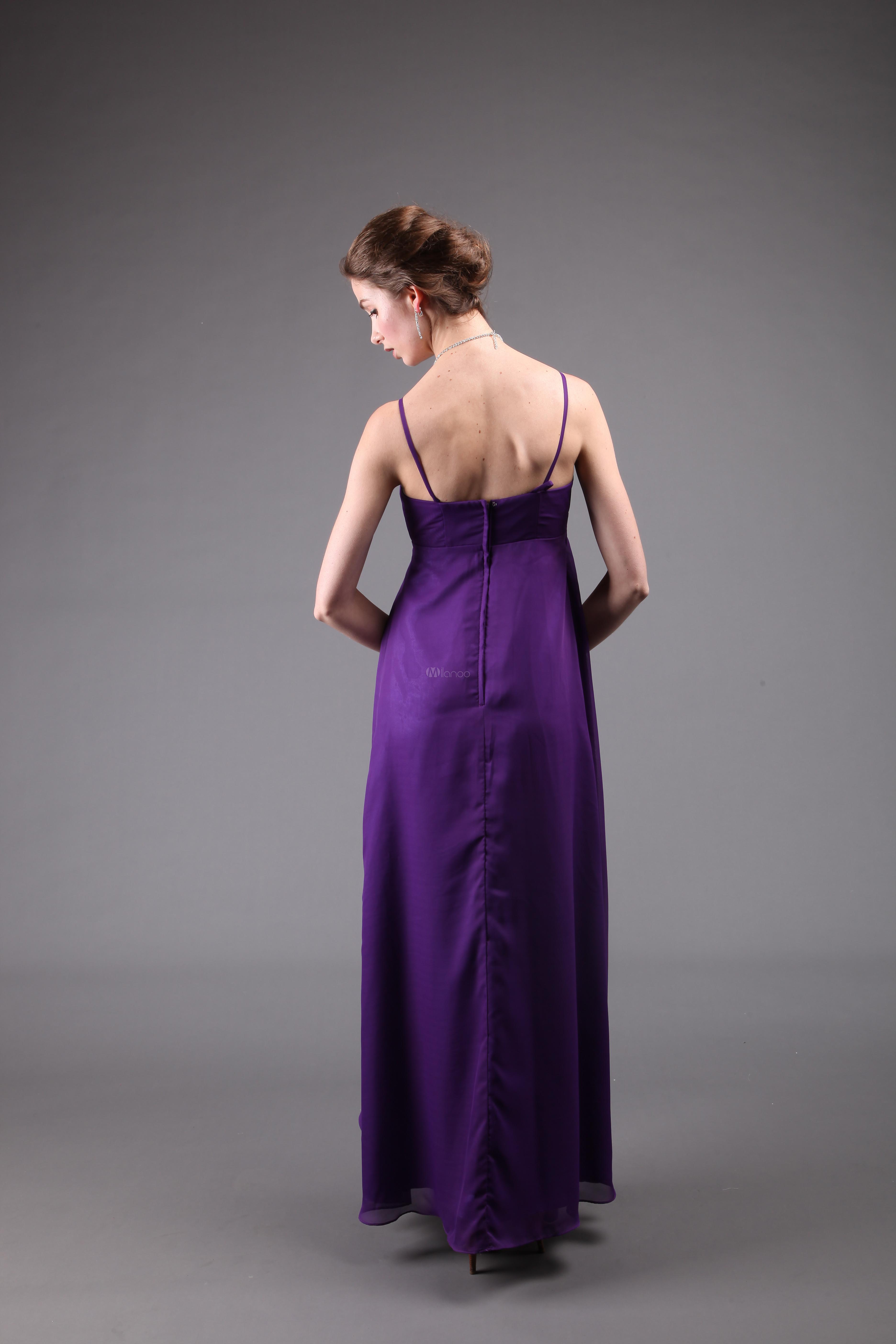 Vestido de noche de gasa de color púrpura con tirantes y lazo ...