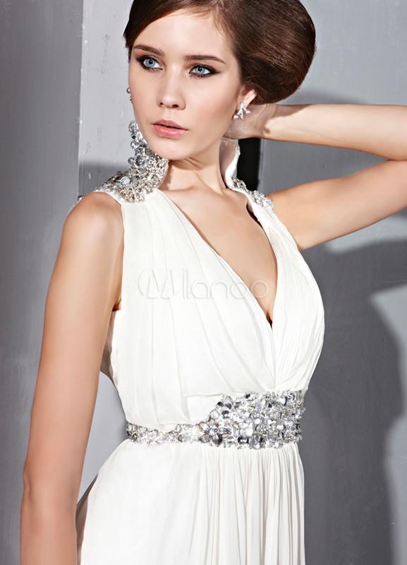 Robe de soiree blanche et argentee