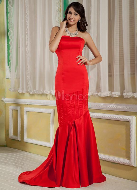 45715965a Vestido de noche rojo de satén con escote de corazón estilo trompeta sirena  de cola ...