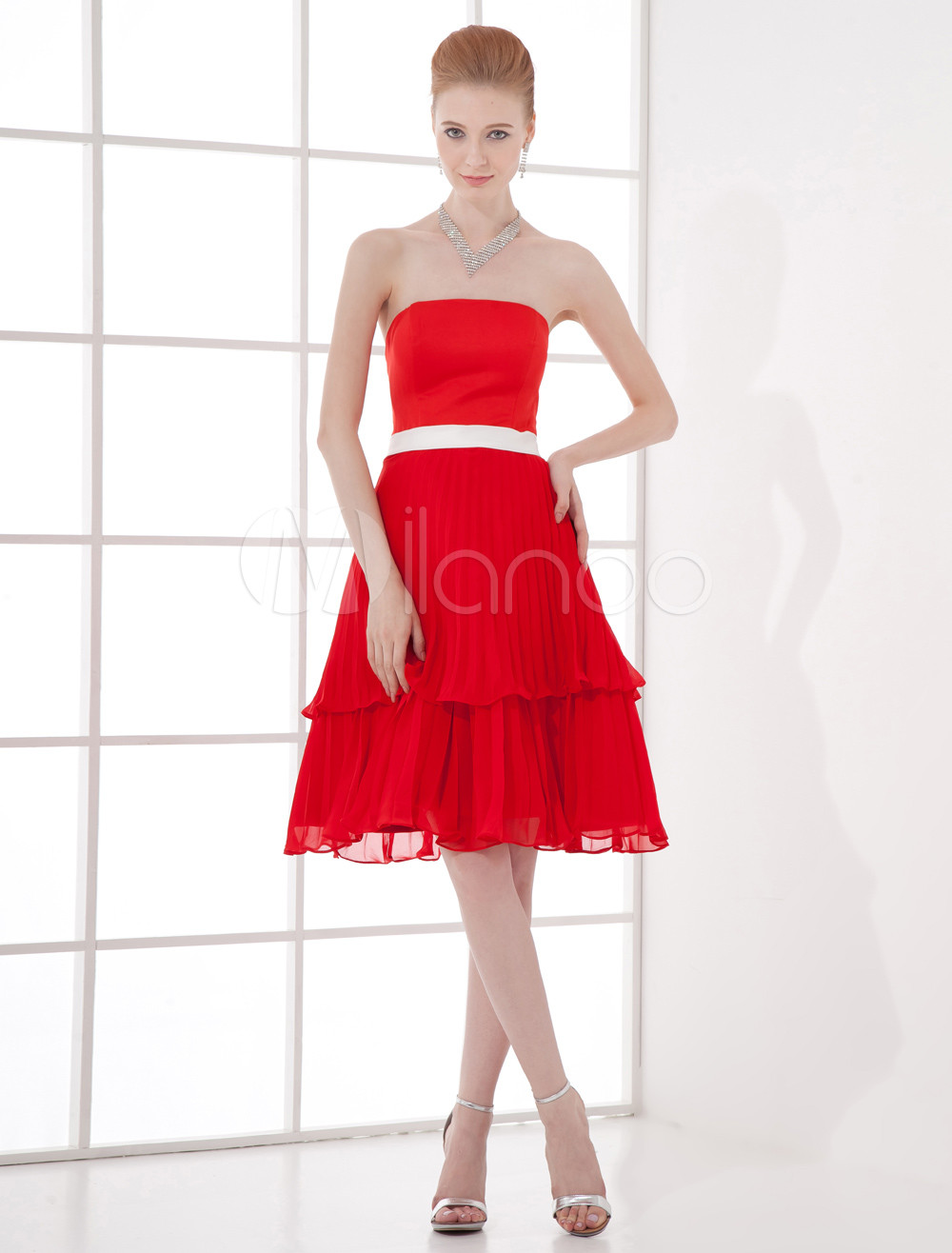 Buy A-line Red Chiffon Bow Strapless Knee-Length Fashion Cocktail Dress for $79.89 in Milanoo store