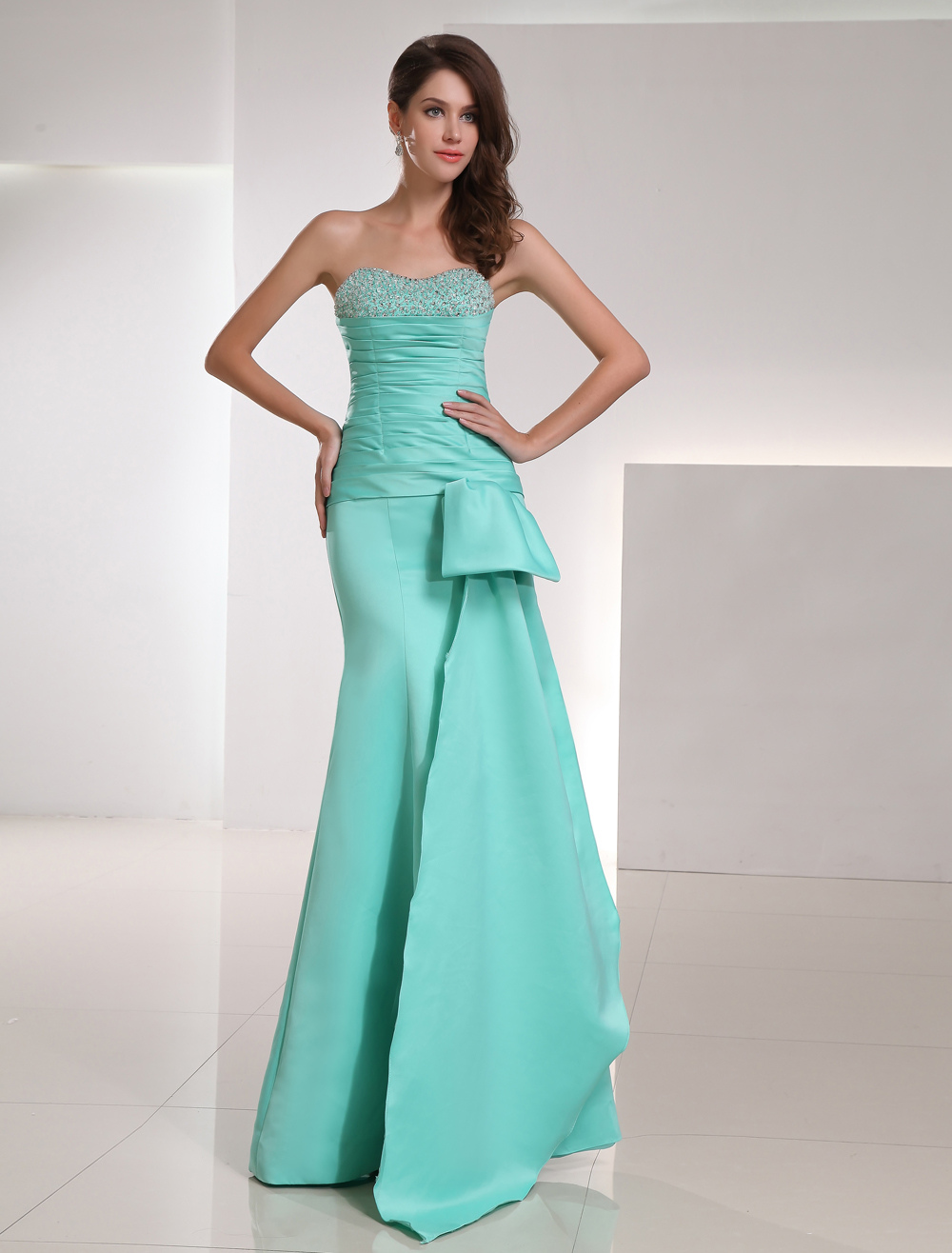 Mermaid  Evening Dress Strapless Sweetheart Satin Long Prom Dress Mint Green Beading Ruched Floor Length  Party Dress