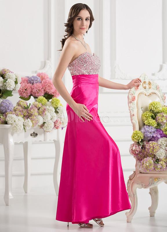 Vestido de fiesta de satén elástico de color fucsia con abertura en ...