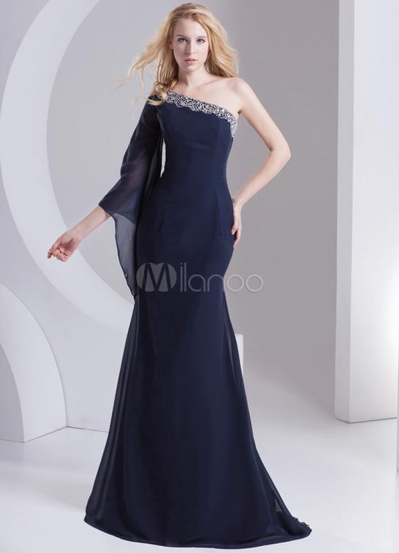 Maquillaje para boda de noche vestido azul marino
