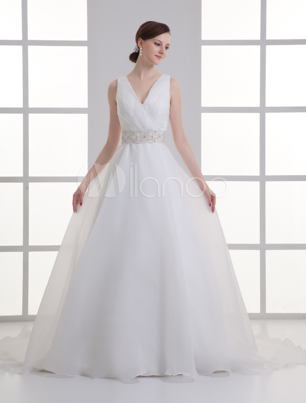 Ivory Ball Gown V-Neck Beading Bridal Wedding Gown