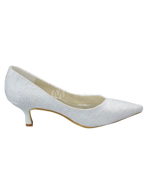 7d1f2bd8a Chaussure de mariée en dentelle blanche à petit talon