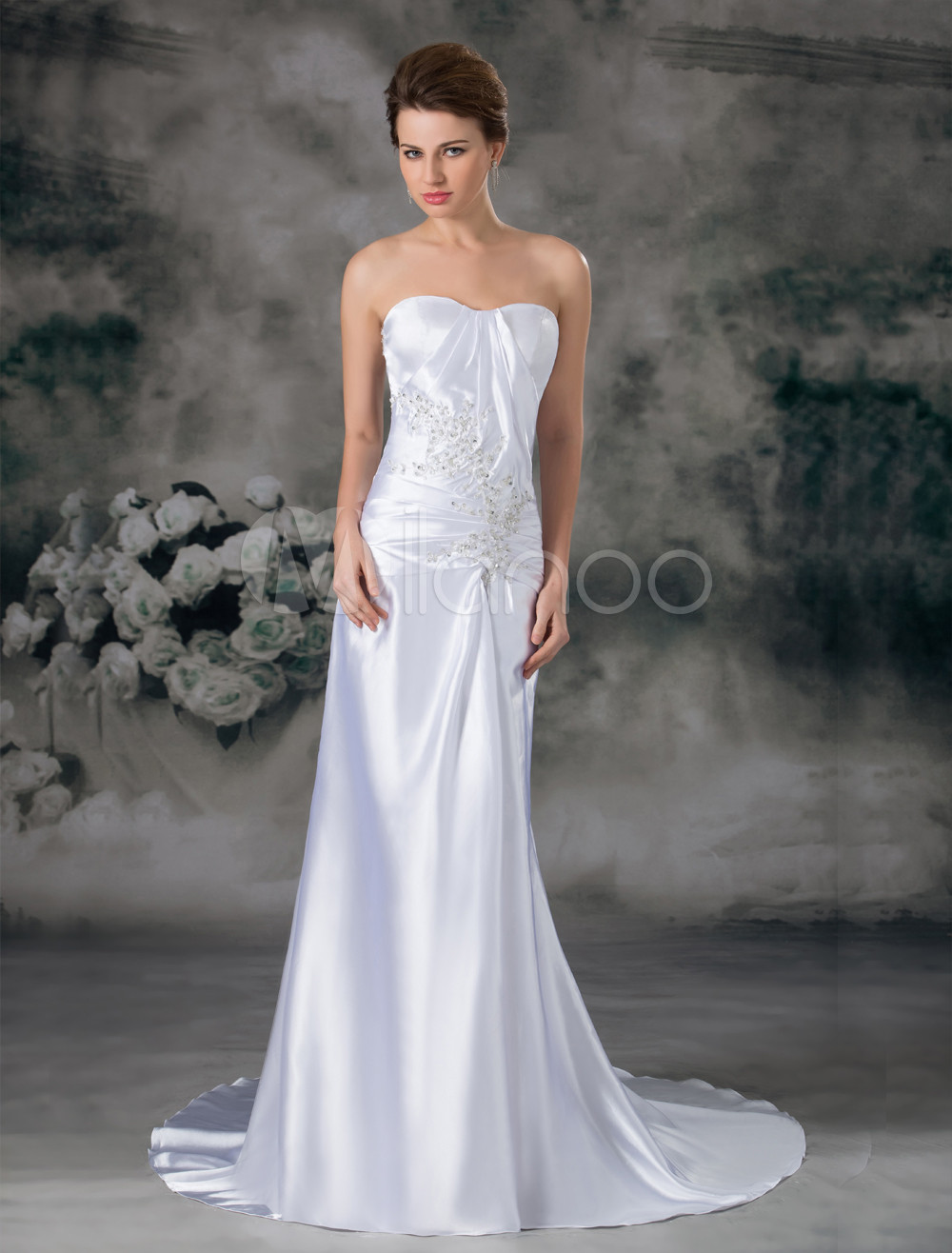 Chapel Train White Ruched Sheath Wedding Dress with Sweetheart Neck