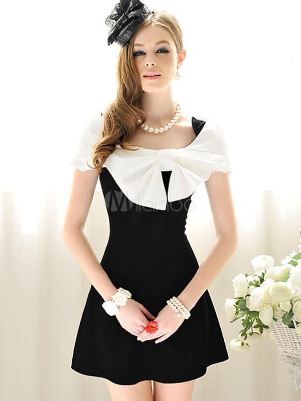 reputable site 32e71 64d42 Abito corto elegante con grande fiocco bianco e nero in cotone