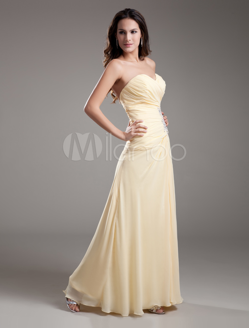 Buy Sheath Daffodil Sequin Chiffon Prom Dress with Sweetheart Neck for $132.99 in Milanoo store