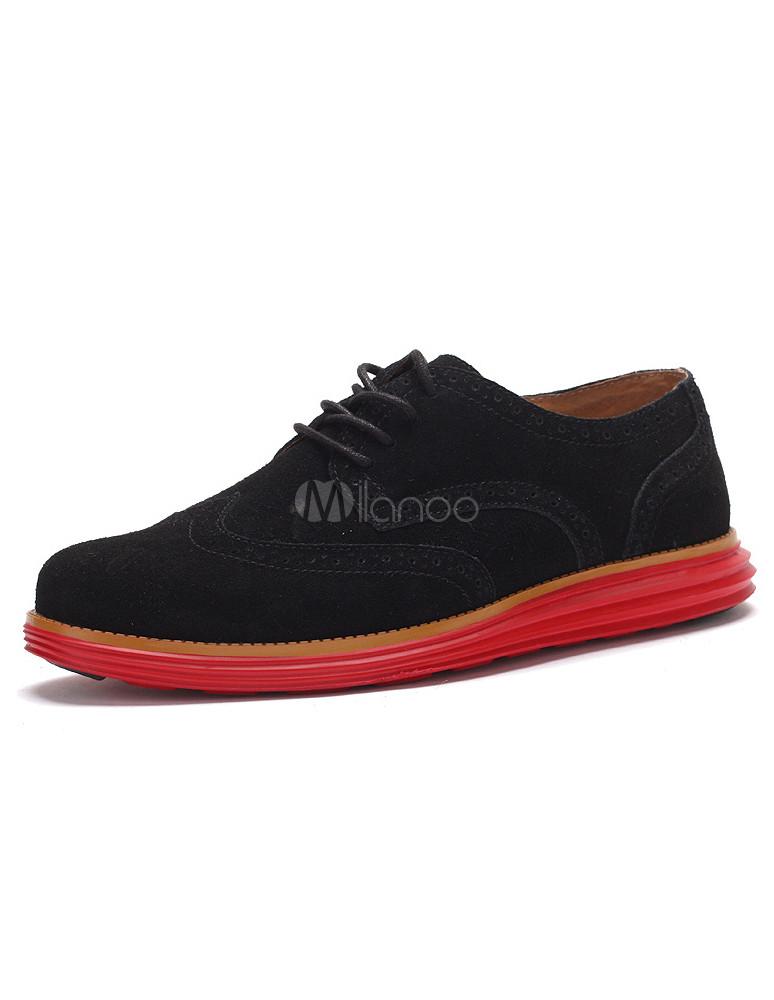 magasin en ligne d6531 cc37b Chaussures à bout rond en cuir suédé noir avec semelle rouge