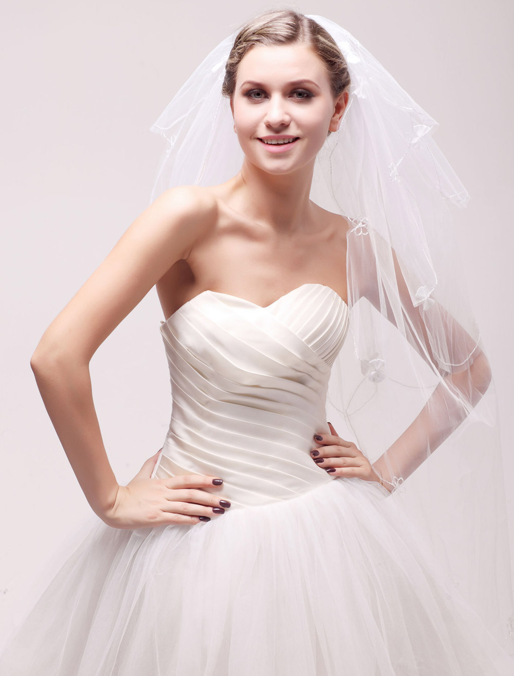 Three-Tier Oval Net Bow Ivory Wedding Fingertip Veil For Bride