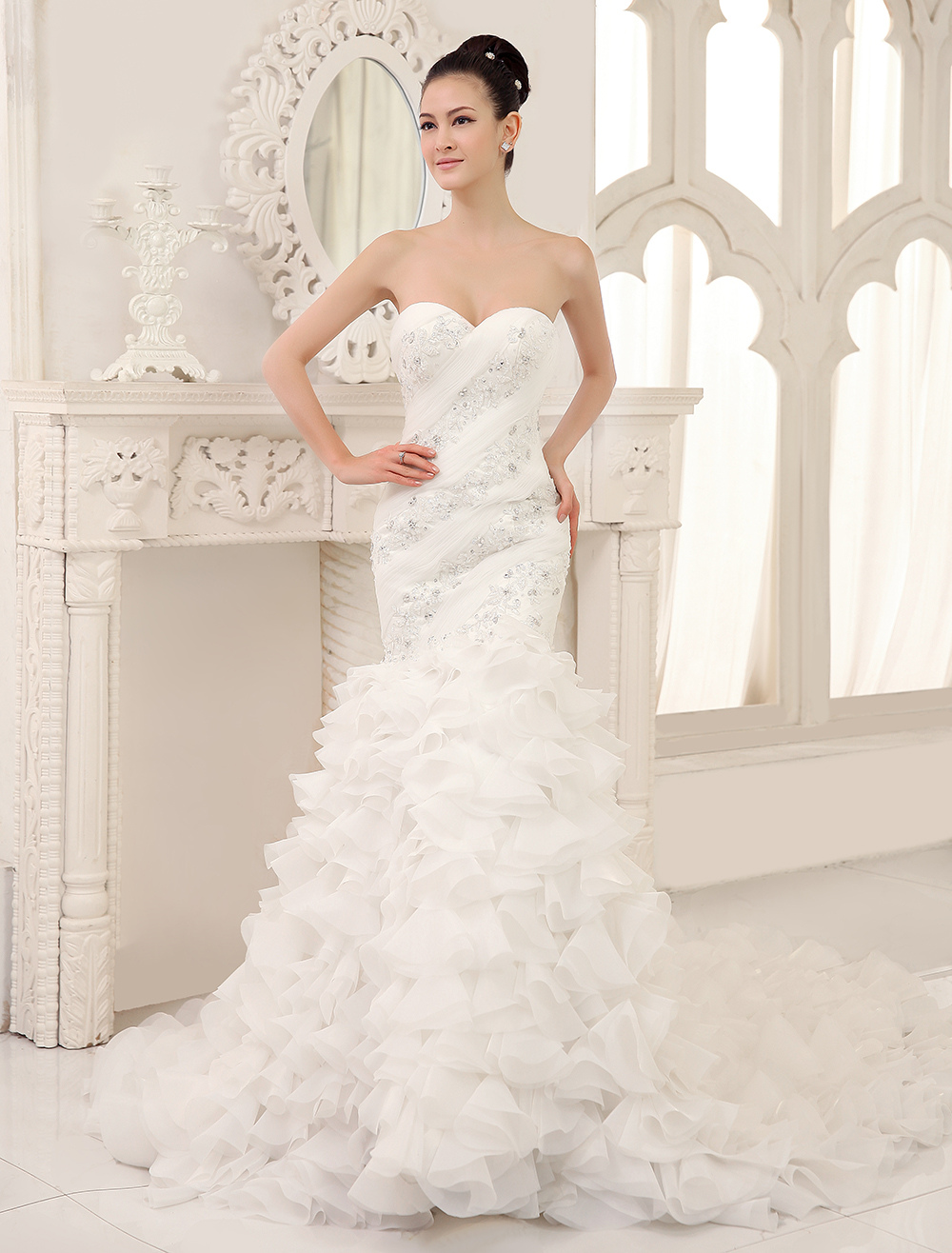 Ivory Glamorous Mermaid Organza Chapel Train Sweetheart Neck Wedding Dress with Applique