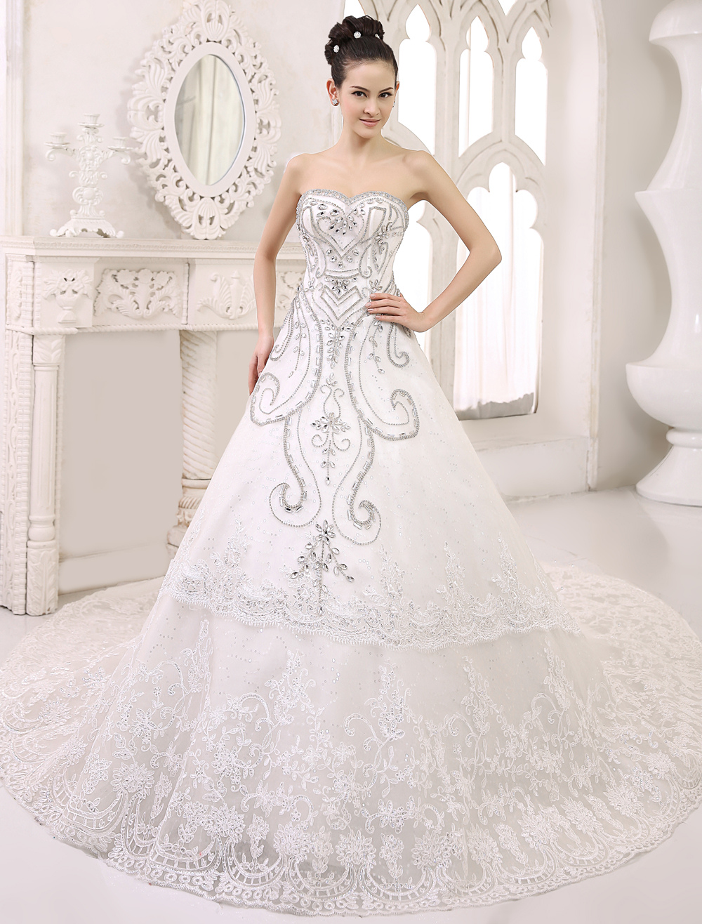 Cathedral Train Ivory Bridal A-line Lace Wedding Dress with Sweetheart Neck
