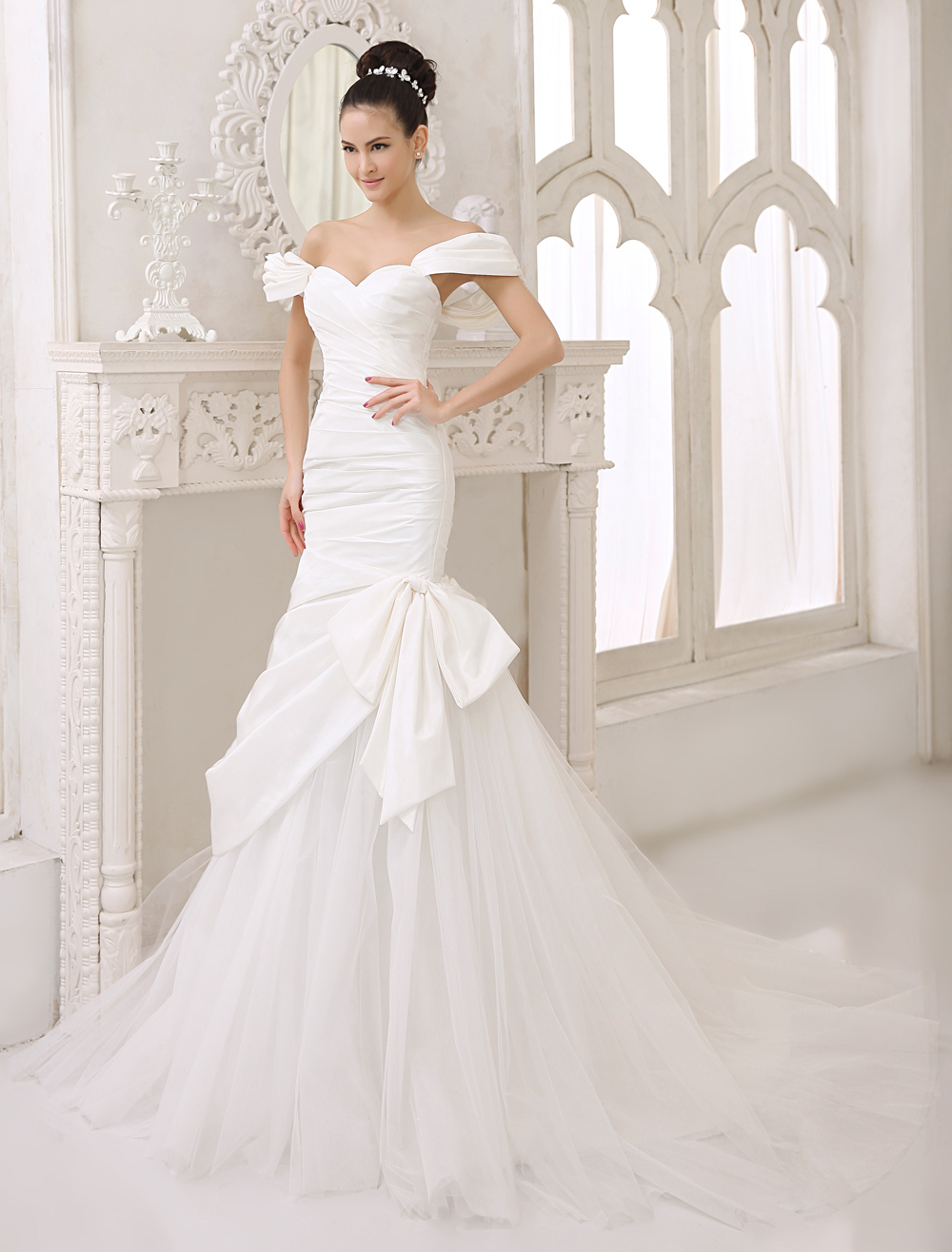 Chapel Train Ivory Bow Bridal Mermaid Wedding Dress with Sweetheart Neck Off-The-Shoulder Milanoo