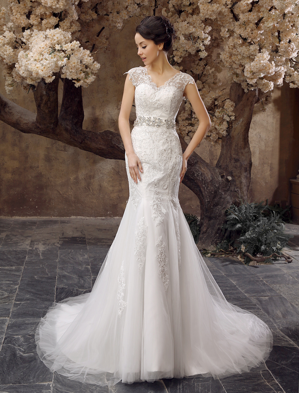 Ivory Mermaid V-Neck Rhinestone Court Train Tulle Wedding Dress For Bride