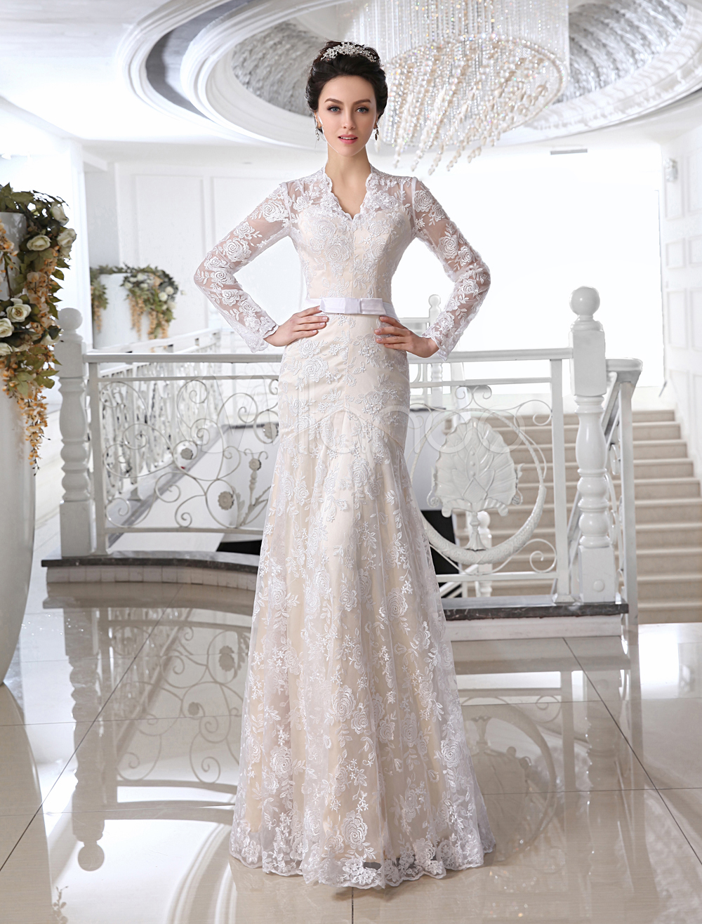 Wedding Dresses Lace Champagne Bridal Dress V Neck Long Sleeve Illusion Sheath Bow Sash Floor Length Wedding Gown