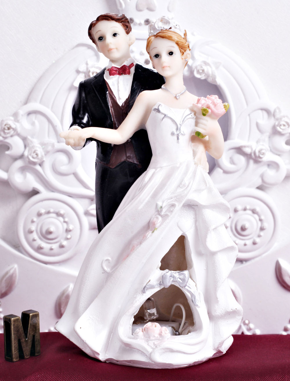 Buy Traditional Figurine Classic Couple Cake Toppers for Wedding for $14.39 in Milanoo store