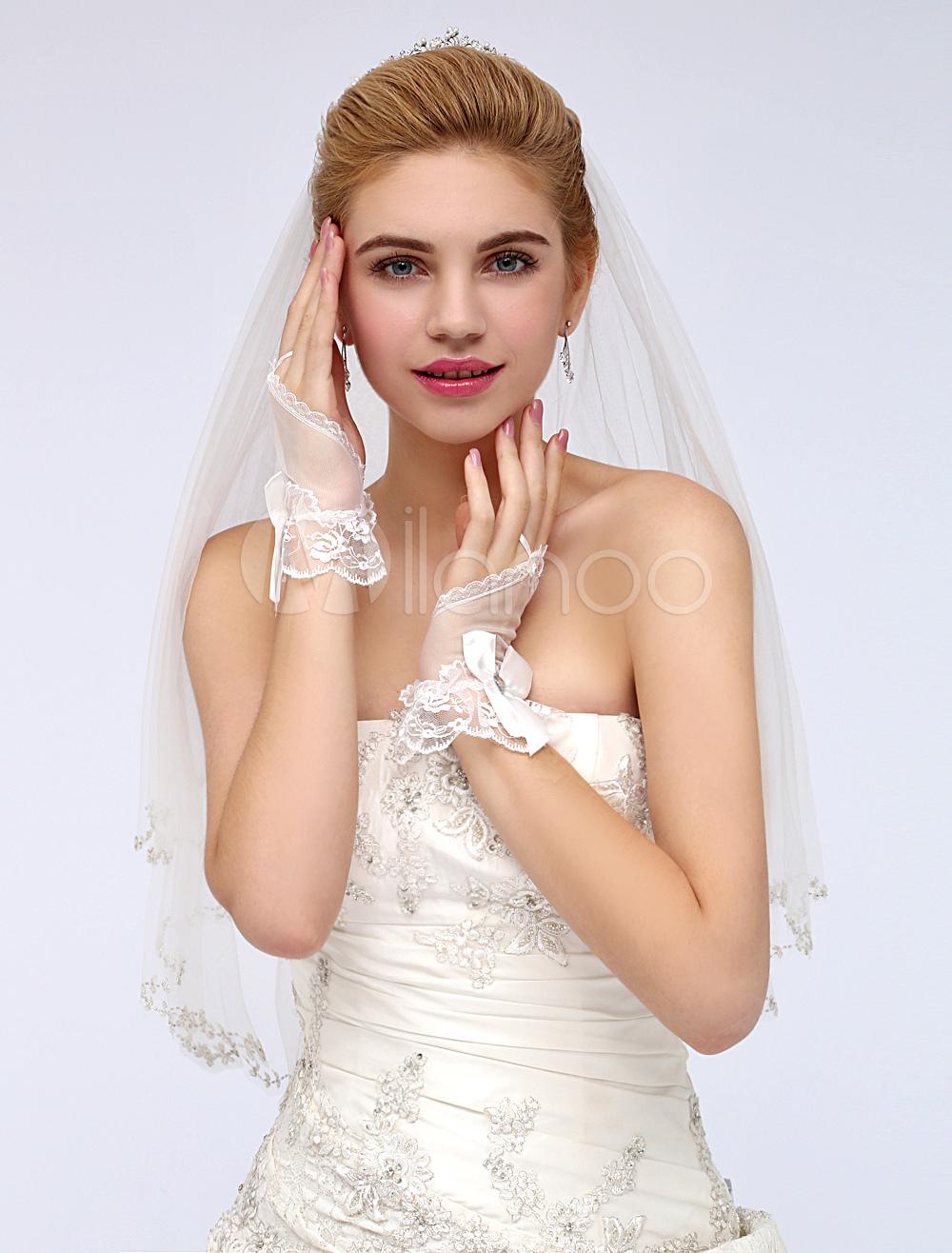 White Tulle Wrist Length Glamorous Bow Fingerless Lace Wedding Gloves