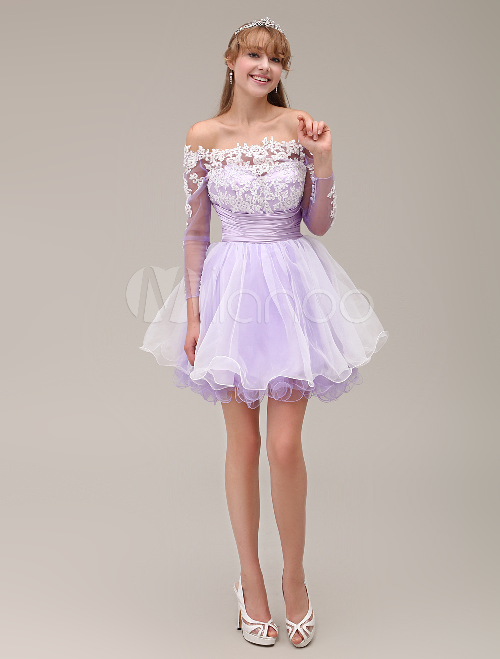 Off-The-Shoulder A-line Bateau Neck Two-Tone Tiered Short Homecoming Dress with Lace Applique Milanoo