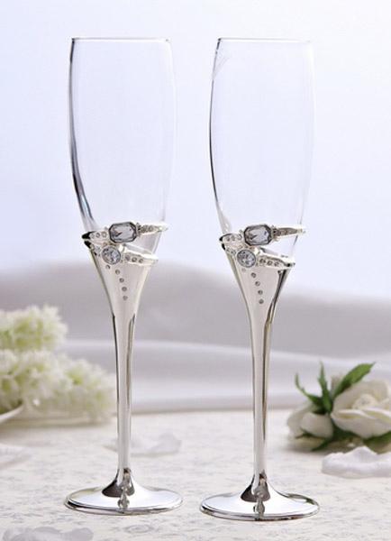Stylish Wedding Toasting Flutes With Gemstone Rings