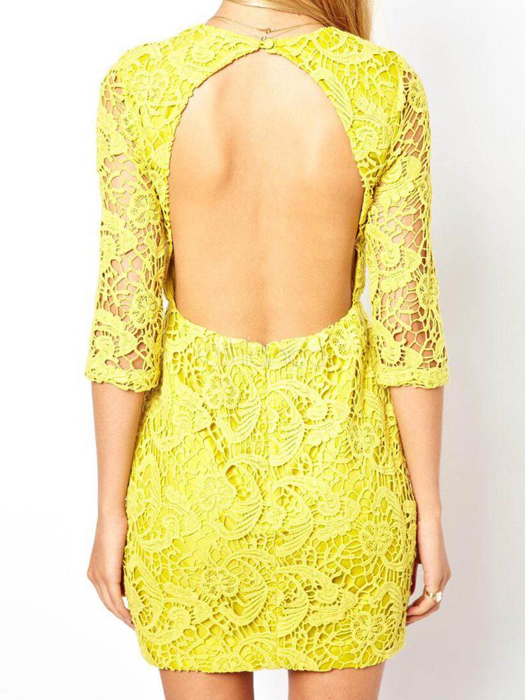 Vestido corto de encaje amarillo con bordado y espalda descubierta ...