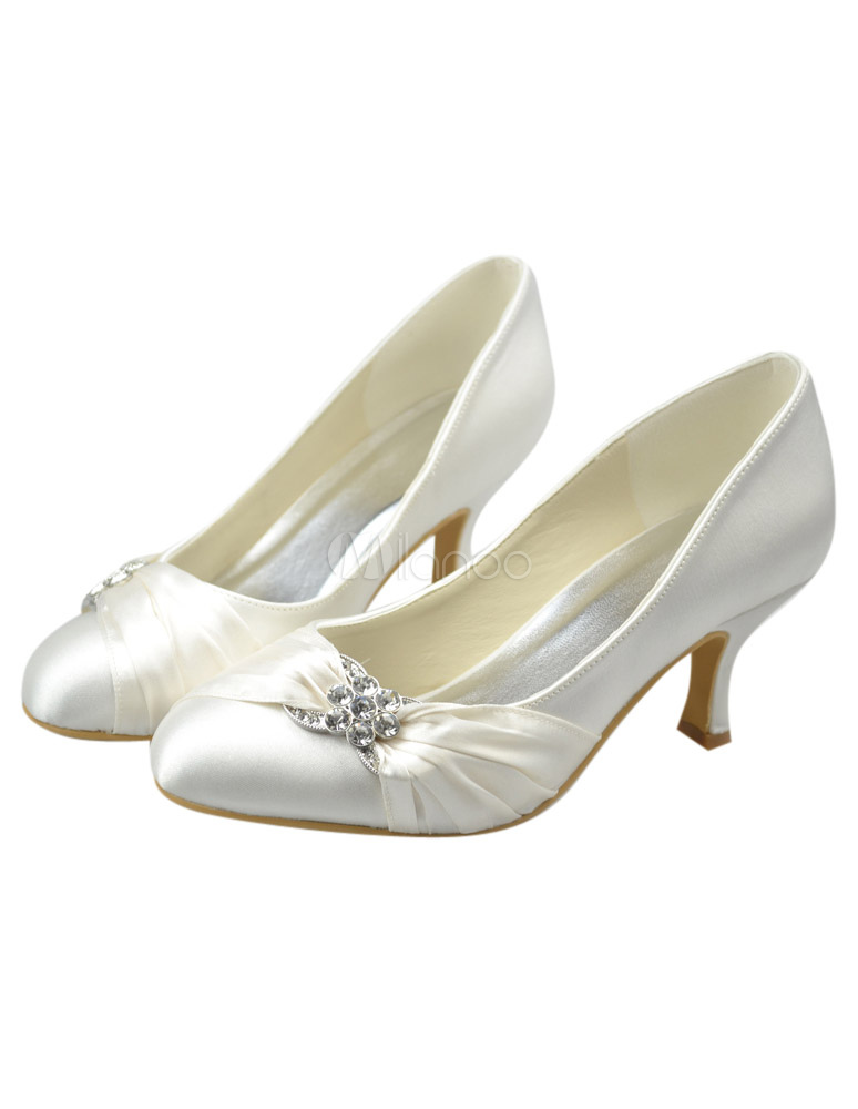 Stunning Ivory Kitten Heel Round Toe Bridal Shoes
