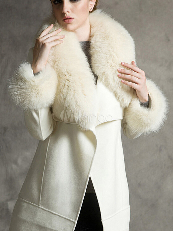 Manteau fausse fourrure blanc beige