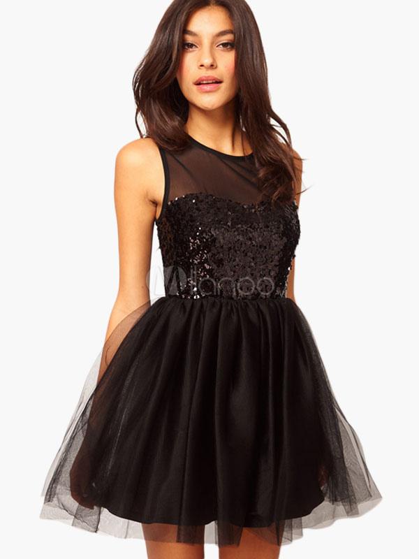robe patineuse avec paillettes noires. Black Bedroom Furniture Sets. Home Design Ideas