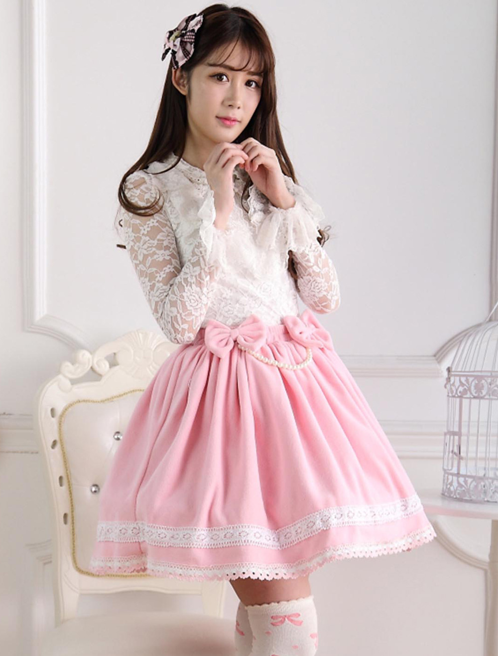 Sweet Pink Short Lolita Skirt with Whtie Trim Bows Pears