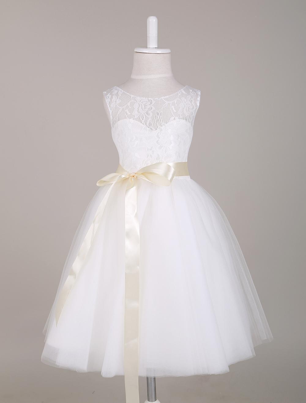 White Flower Girl Dress Princess Lace Illusion Sweetheart Neckline Ribbon Bow Sash Knee Length Short Kids Party Dresses