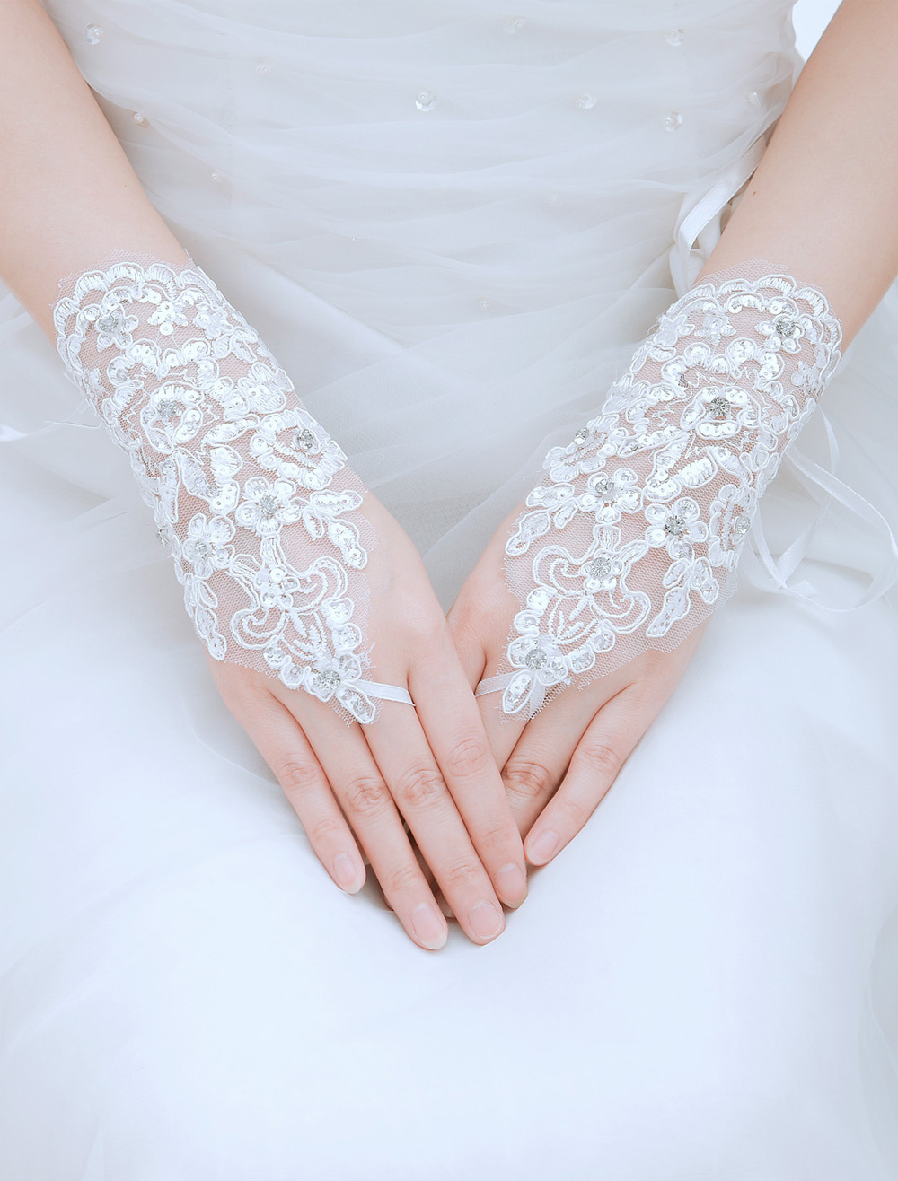 Romantic Rhinestone Lace Wrist Length Fingertip Wedding Gloves