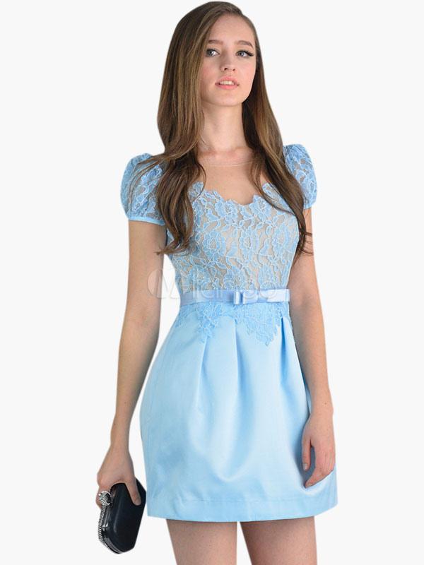 387258bb2b9 Robe bleu avec dentelle - Le son de la mode