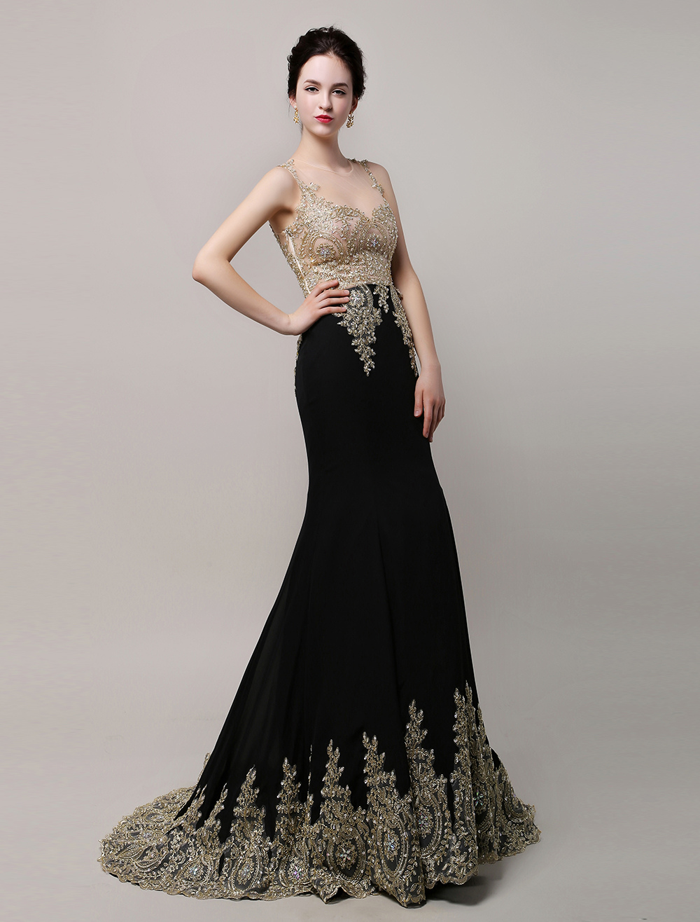 Robe cocktail noir dentelle