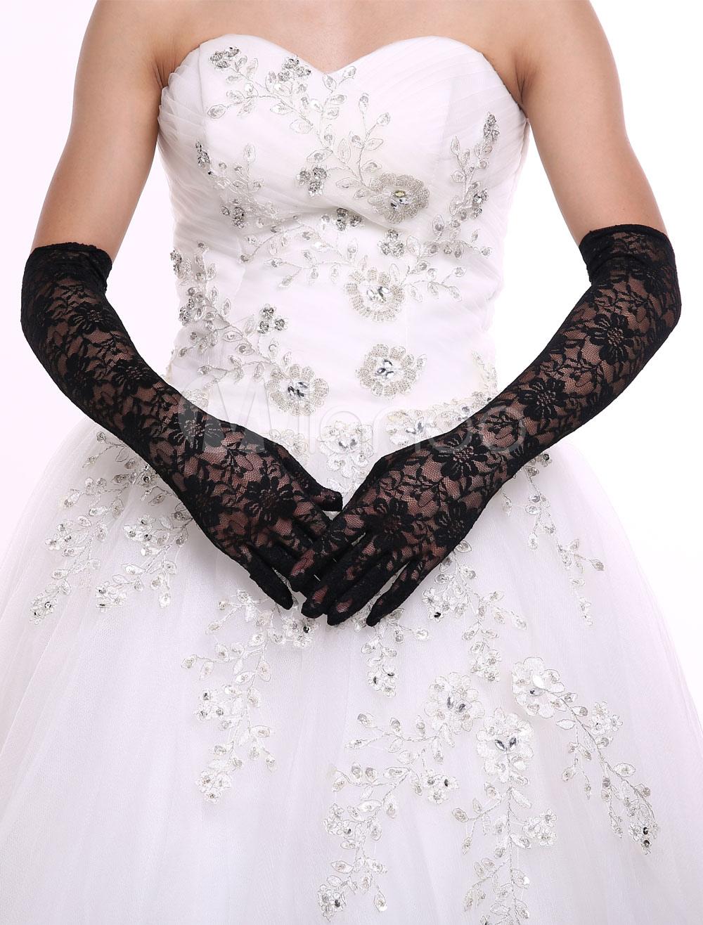 Elegant Lace Wrist Length Fingertips  Bridal Gloves