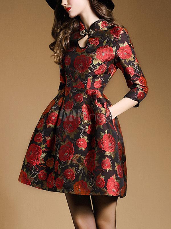 Rotes jacquard kleid