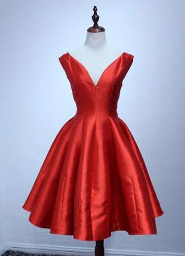 Vintage Plunginn Neckline A-Line Off-the-Shoulder Cocktail Dress