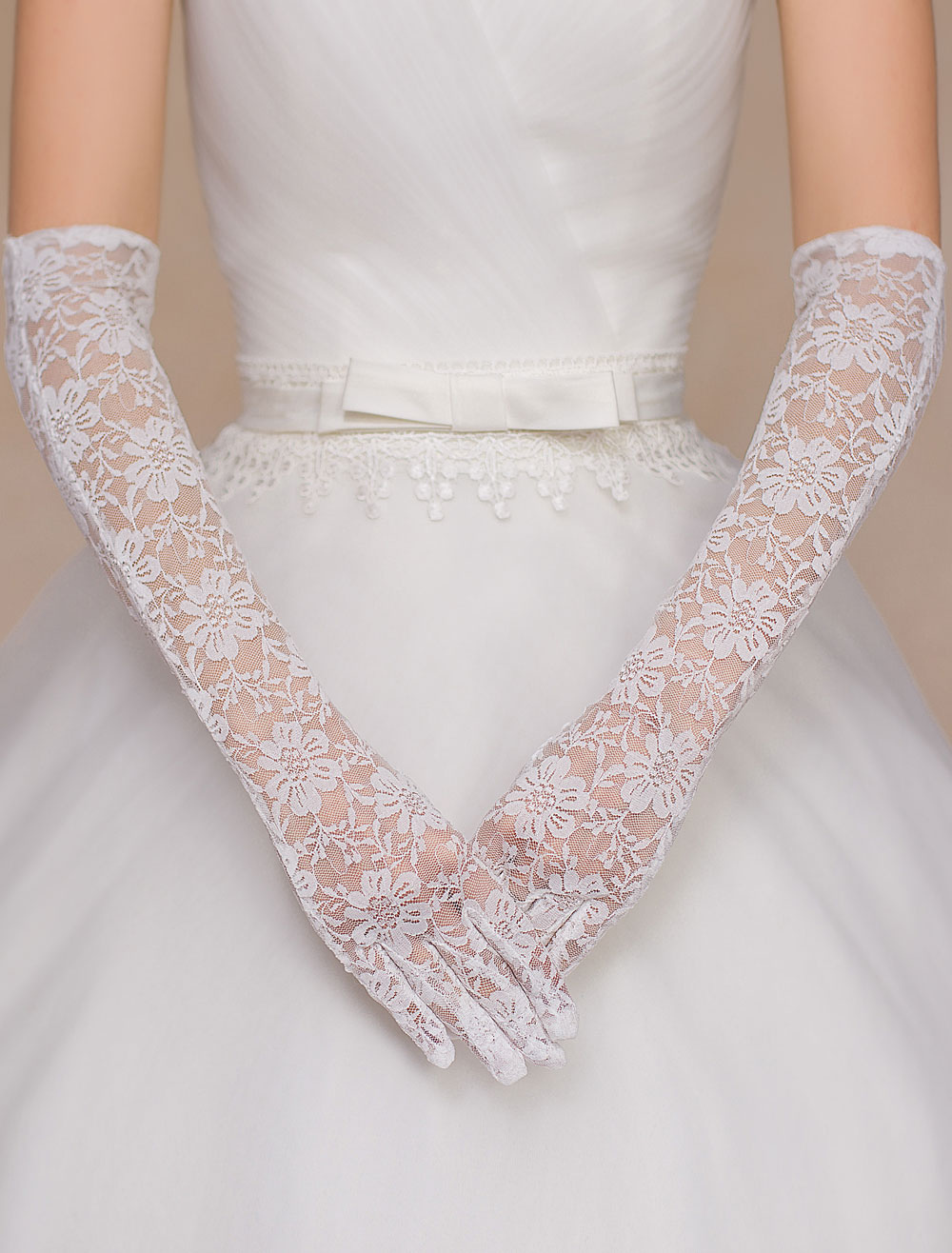 Ivory Lace Trendy Wedding Gloves