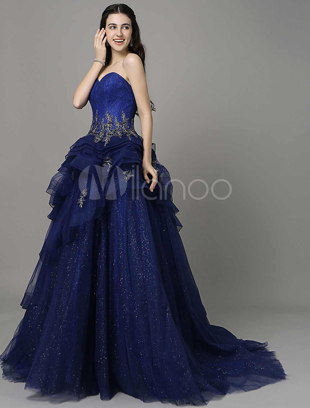 A-Line Royal Blue Applique Evening Dress With Sweetheart Neck With Train
