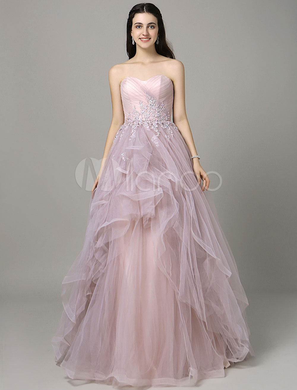 Backless Prom Dress Lace Applique A-Line Pleated Sweetheart Floor-Length Quinceanera Dress