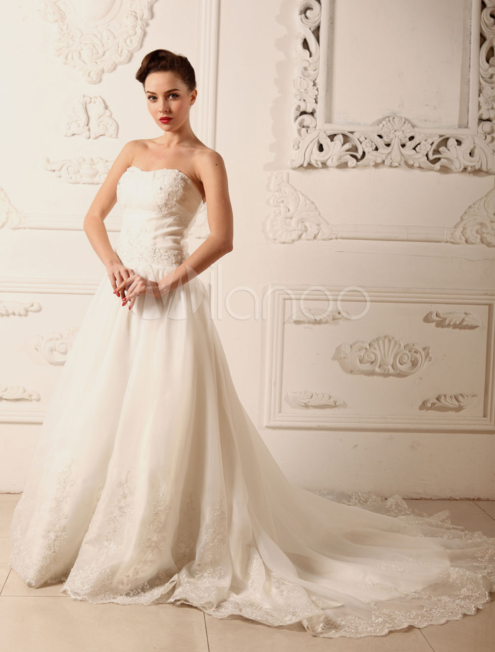 Strapless Wedding Dress A-Line beading Organza Lace Applique Chaple Train Bridal Dress