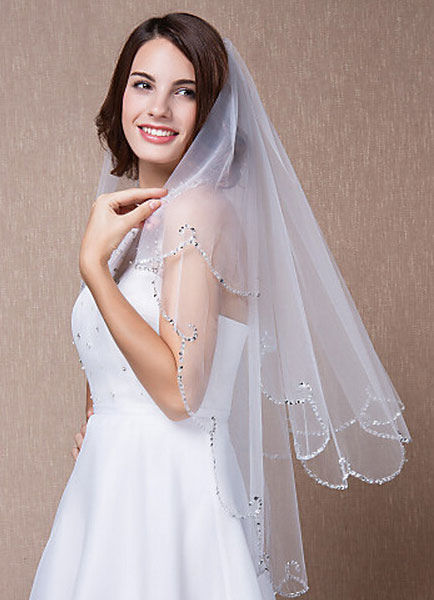 Sequined Bridal Veil Two-Tiered Fingertip Scalloped Edge Oval Wedding Accessories With Comb(90*75cm)