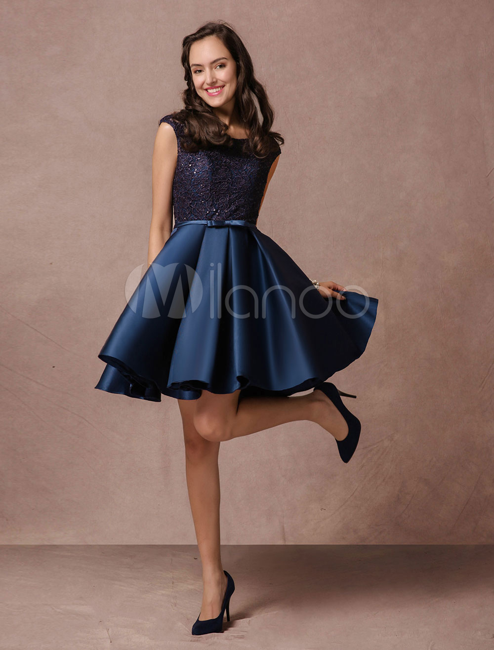 Blue Prom Dress 2018 Short Lace Beading Homecoming Dress Satin Bow Sash Pleated Cocktail Dress