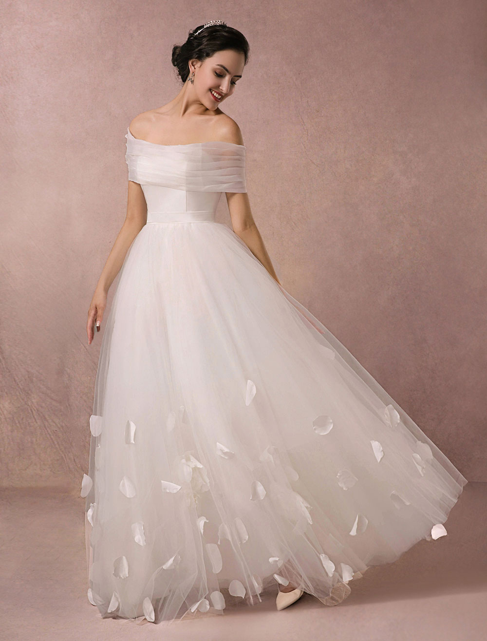 Tulle Wedding Dress Sweetheart Satin Bodice Petals Applique Floor-length A-line Bridal Gown Detachable Organza Wrap Beach Wedding Dress Milanoo