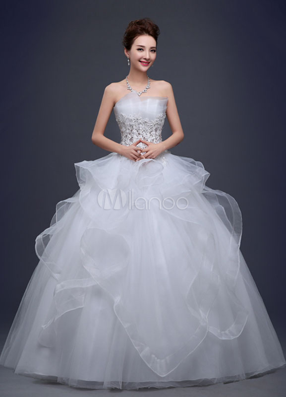 Strapless Wedding Dress Lace Flowers Beading Ball Gown Bridal Dress Ivory Net Ruffle Floor Length Bridal Gown