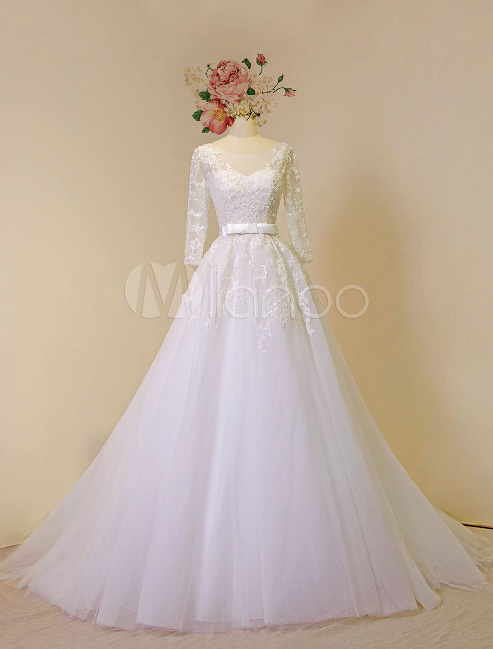 Lace Wedding Dress Long Sleeves Tulle Bridal Gown Chapel Train Lace Applique Beading Backless A-line Luxury Bridal Dress