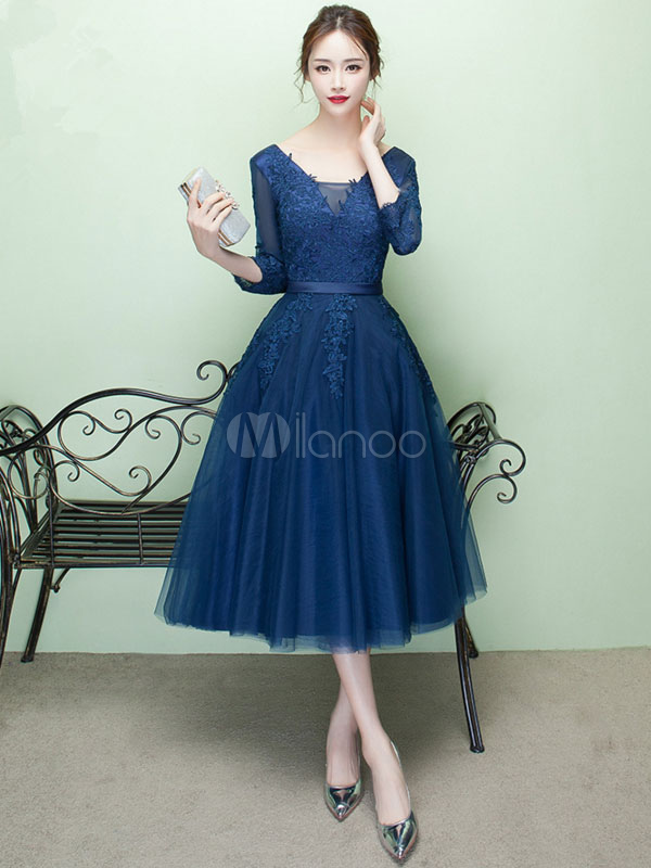 Buy Short Prom Dress V Neck Lace Applique Tulle Cocktail Dress 3/4 Sleeve A Line Tea Length Party Dress for $127.59 in Milanoo store