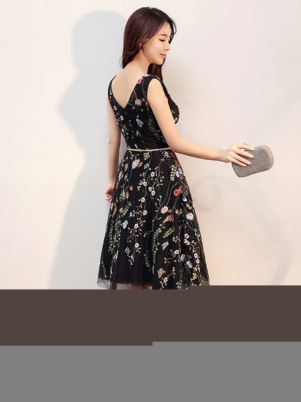 13b368d7ca5 ... Black Prom Dresses 2019 Short Floral Print Cocktail Dress V Neck  Sleeveless Tulle Embroidered Knee Length ...