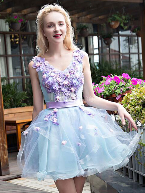 Short Prom Dress Tulle Pastel Blue Homecoming Dress Flower Pearl Sash V Neck A Line Mini Graduation Dress
